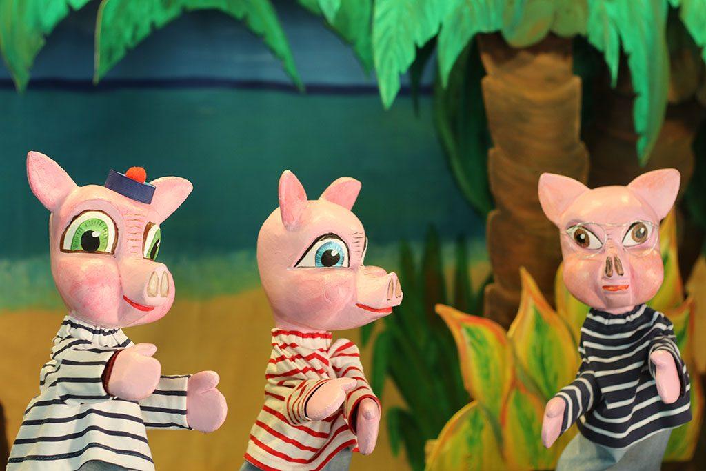 les trois petits cochons sur l'île